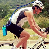 單車頭盔都玩水冷?
